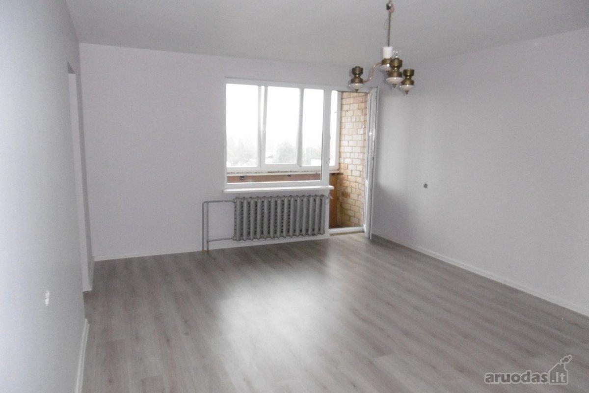 Biržų r. sav., Biržų m., Vilniaus g., 4 kambarių butas