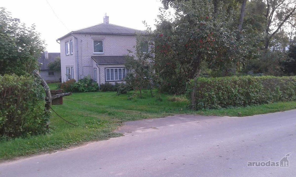Kelmės r. sav., Vijurkų k., Mokyklos g., mūrinis namas