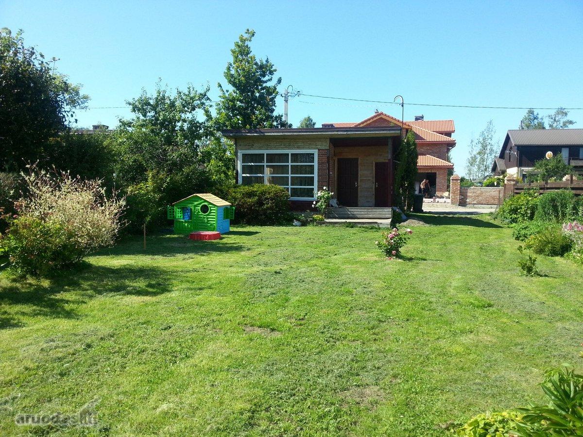 Klaipėda, Mažojo kaimelio, Dobilo 1-oji g., medinis sodo namas