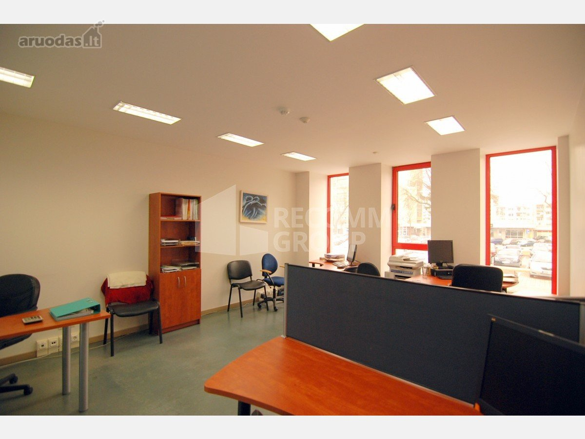 - Patalpose kabinetinė sistema, kurią sudaro