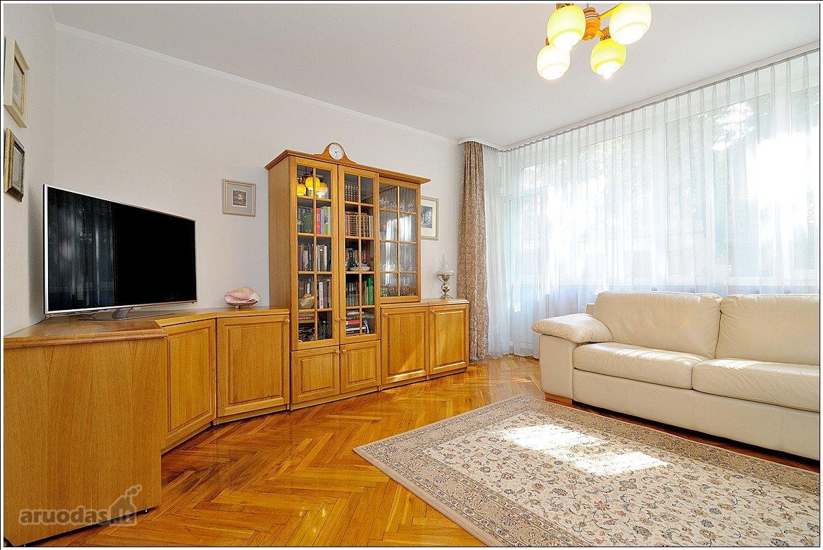 Vilnius, Naujamiestis, M. Valančiaus g., 4 kambarių butas