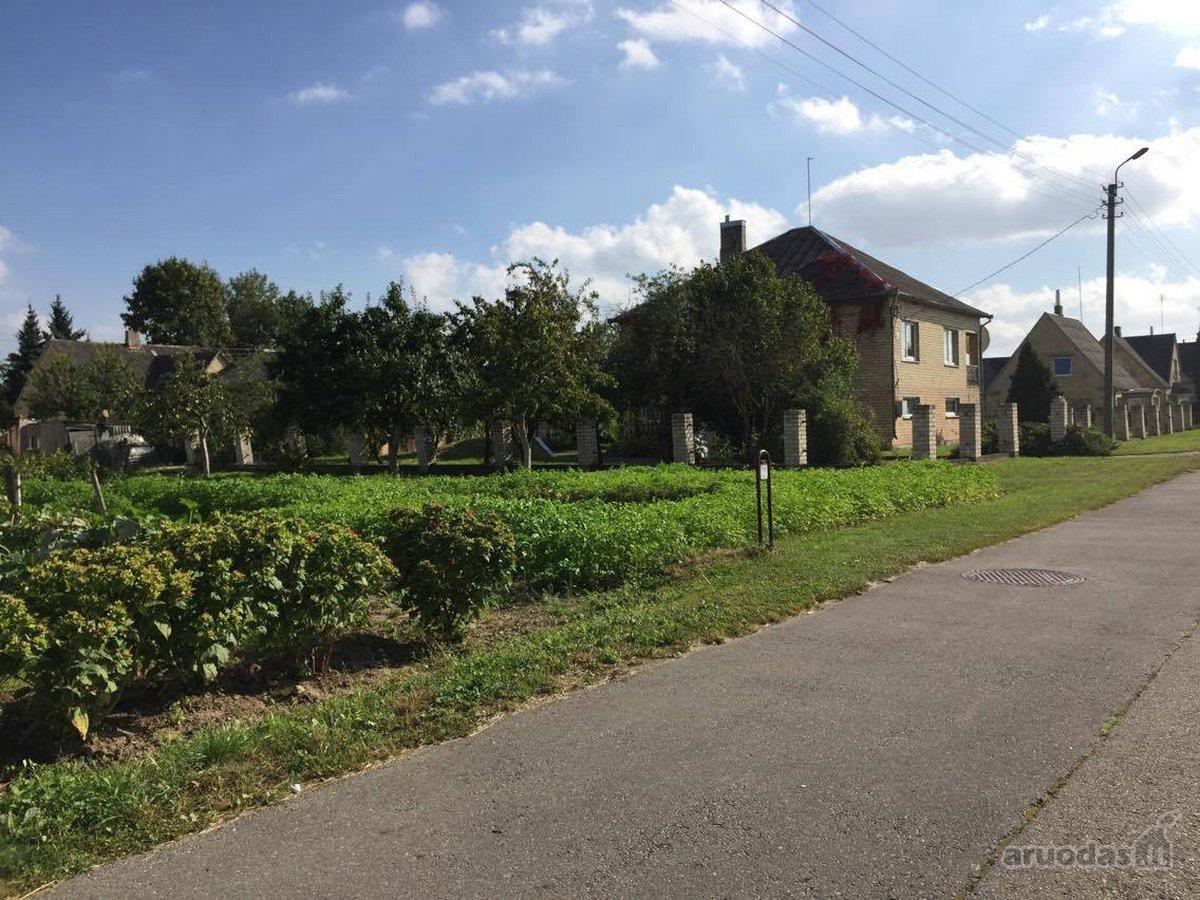 Joniškio r. sav., Joniškio m., Pievų g., mūrinis namas