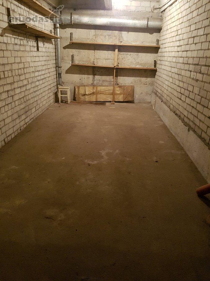 Vilnius, Pašilaičiai, Žemynos g., požeminis garažas