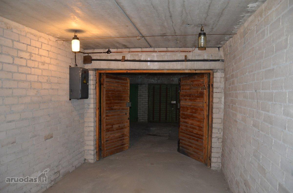 Vilnius, Viršuliškės, Justiniškių g., daugiaaukštis garažas