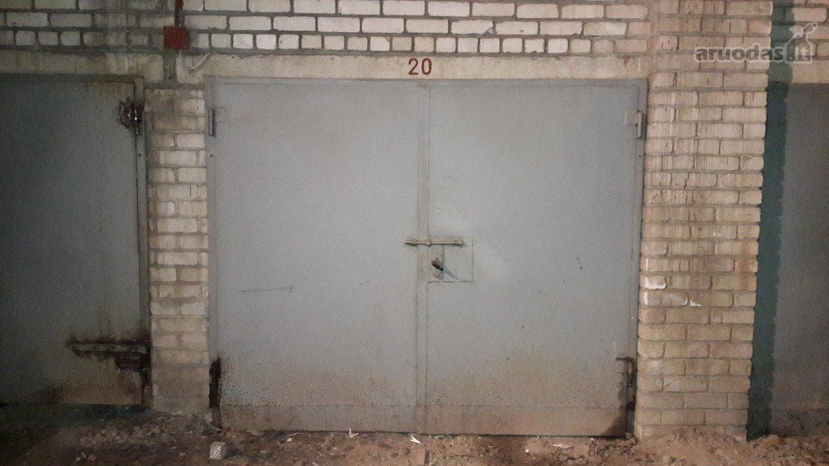 Kaunas, Sargėnai, Pienių g., mūrinis garažas