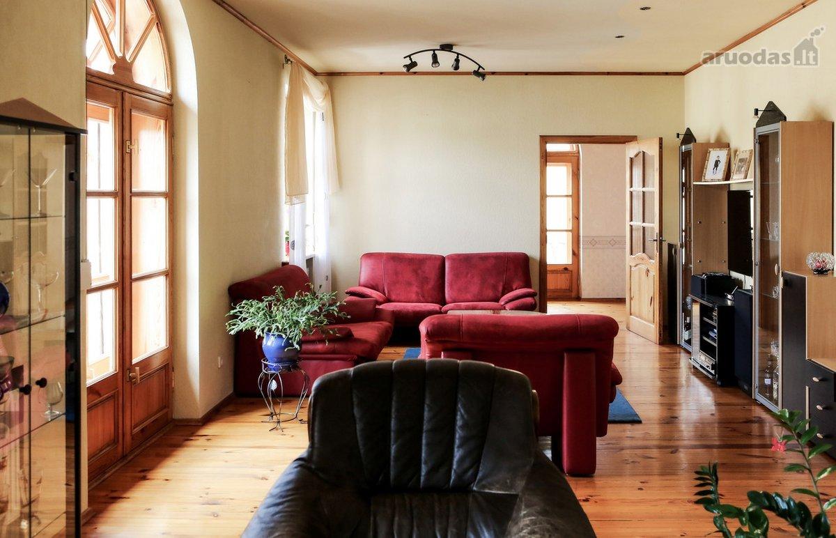 Klaipėda, Senamiestis, Turgaus g., 5 kambarių butas