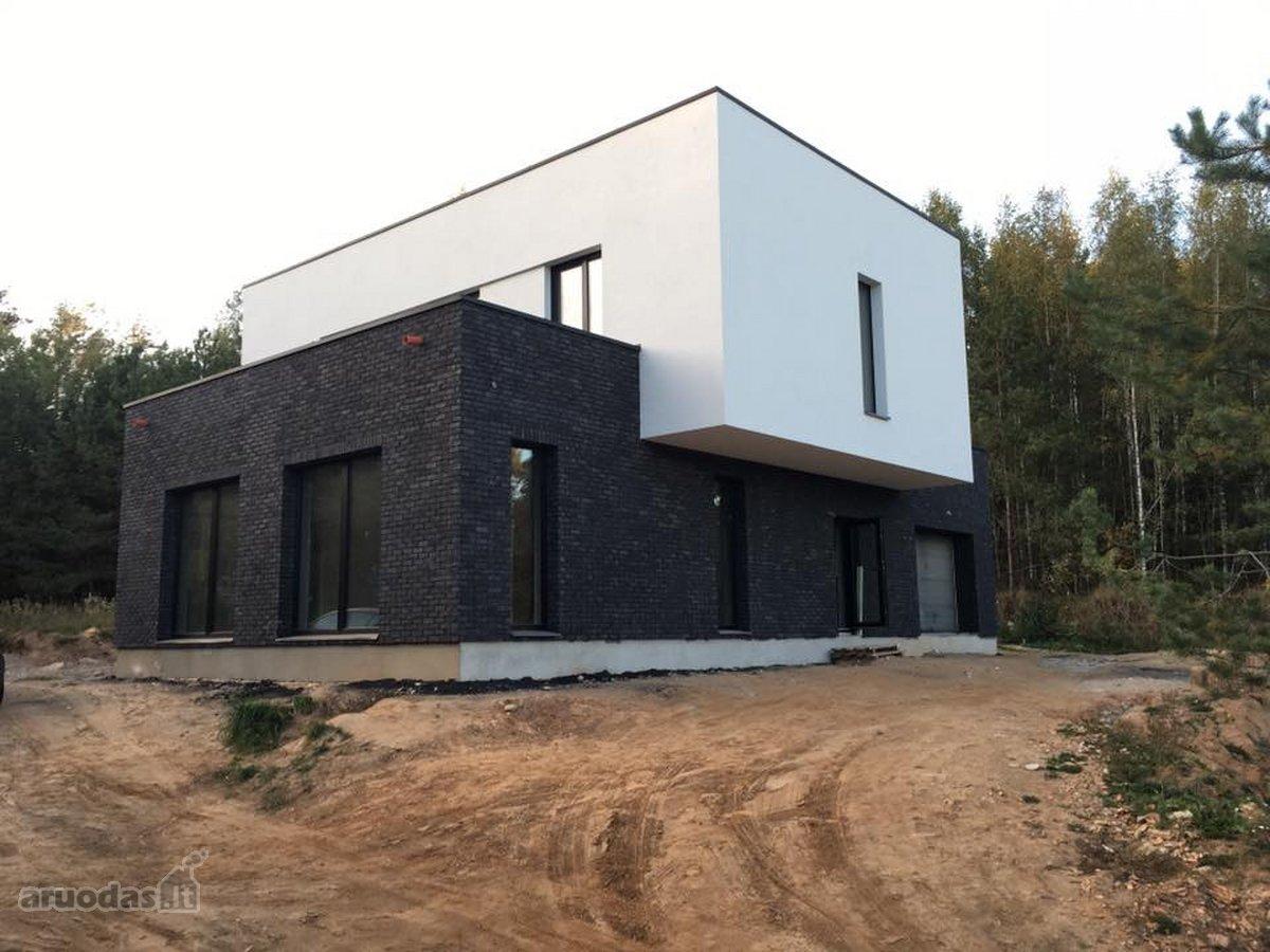 Vilnius, Bajorai, Skersinės g., mūrinis namas