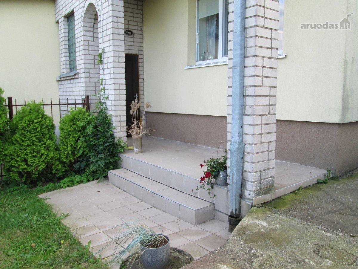 Kauno r. sav., Domeikavos k., Aukščių g., mūrinio namo dalis nuomai