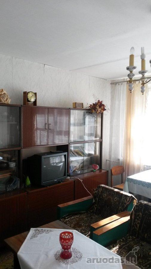 Pakruojo r. sav., Žeimelio mstl., J. Šliavo g., 2 kambarių butas