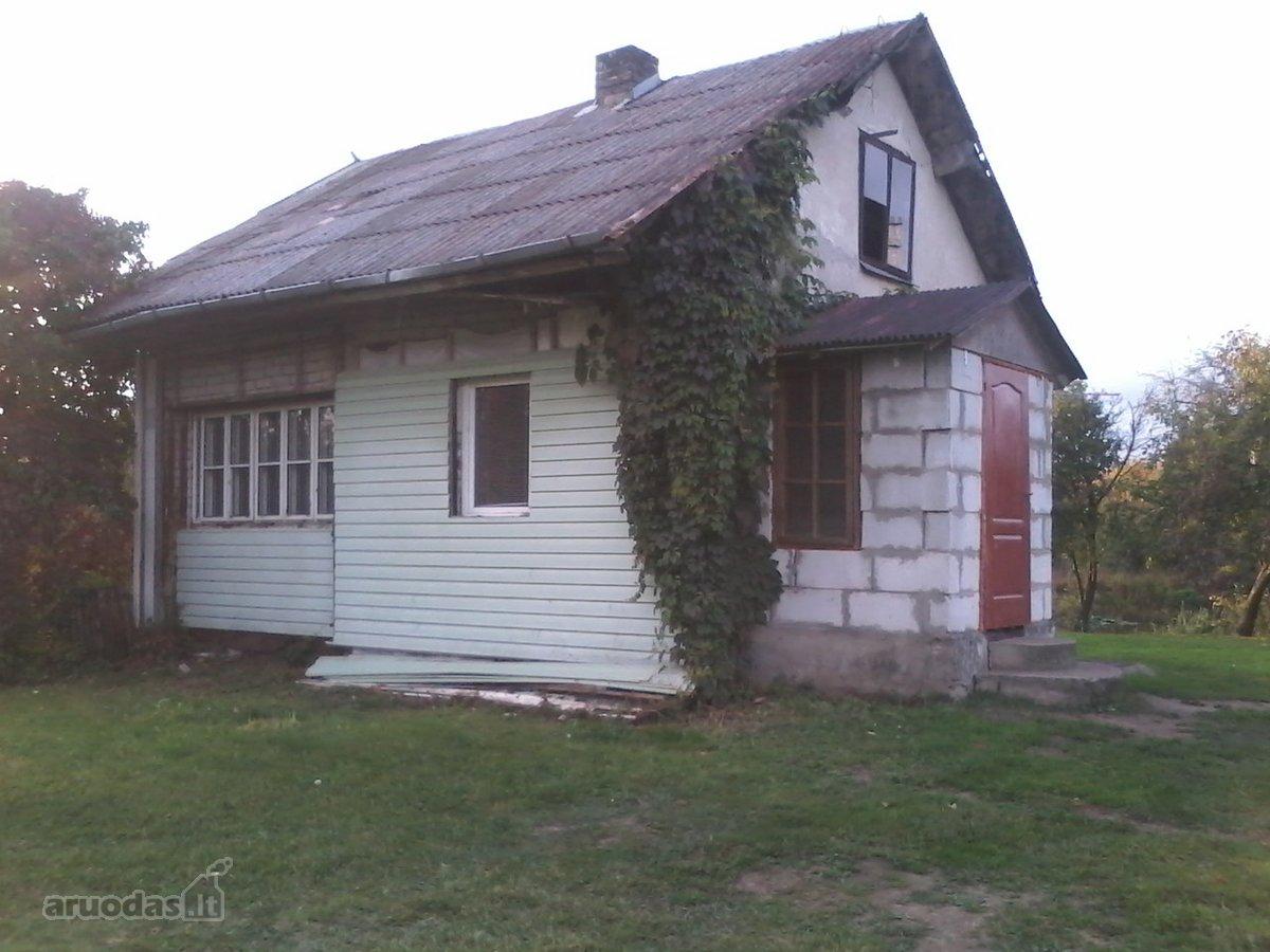 Trakų m., Eglių g., mūrinis namas