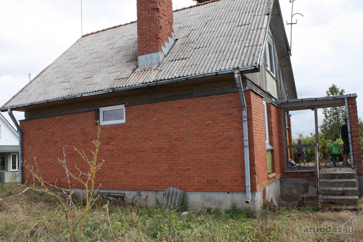 Lazdijų r. sav., Kučiūnų k., mūrinis namas