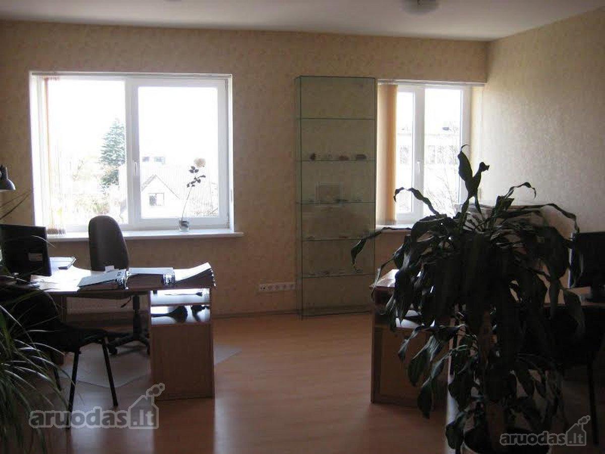 Kretingos m., Rotušės a., 3 kambarių butas