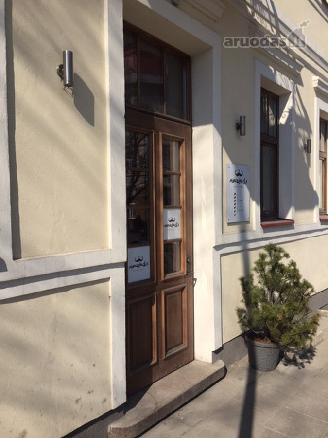 Vilnius, Senamiestis, L. Stuokos-Gucevičiaus g., biuro, prekybinės, paslaugų paskirties patalpos nuomai