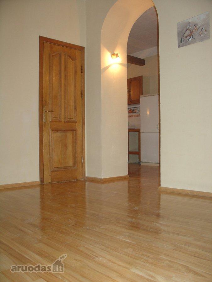 Klaipėda, Senamiestis, Liepų g., 4 kambarių buto nuoma
