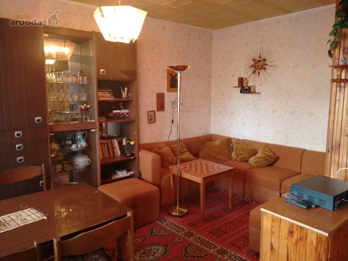 Mažeikių r. sav., Mažeikių m., Žemaitijos g., 3 kambarių butas