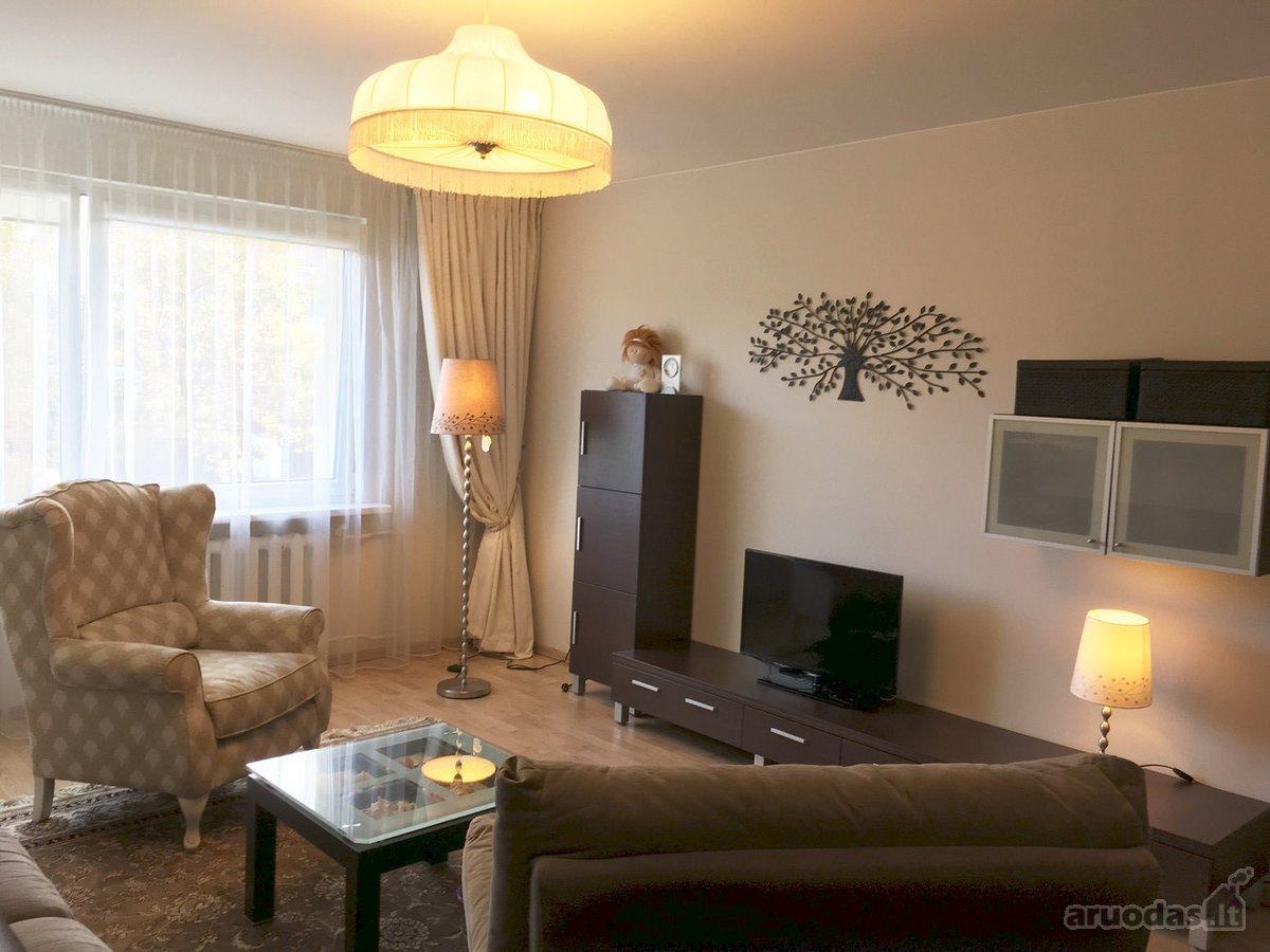 Vilnius, Lazdynėliai, Neužmirštuolių g., 3 kambarių butas