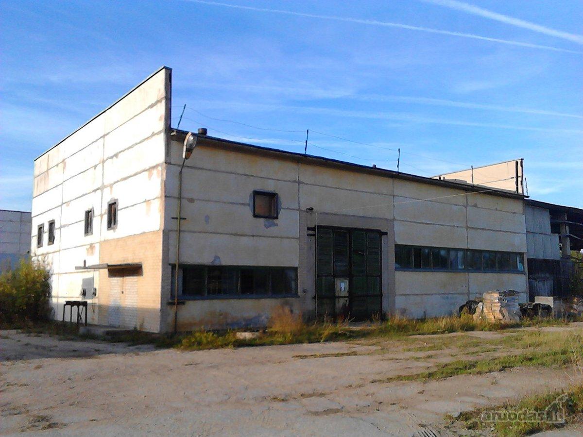 Alytaus r. sav., Daugų k., Ežero g., gamybinės paskirties patalpos