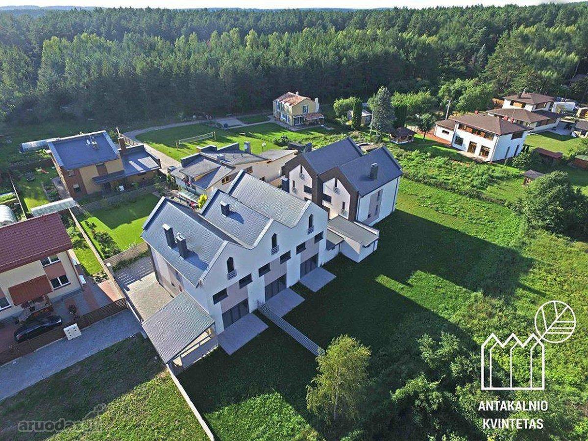 Vilnius, Antakalnis, Karačiūnų g., mūrinis sublokuotas namas