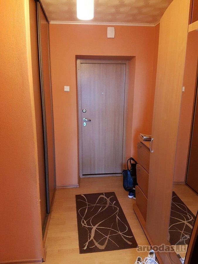 Radviliškio r. sav., Radviliškio m., Vaižganto g., 3 kambarių butas