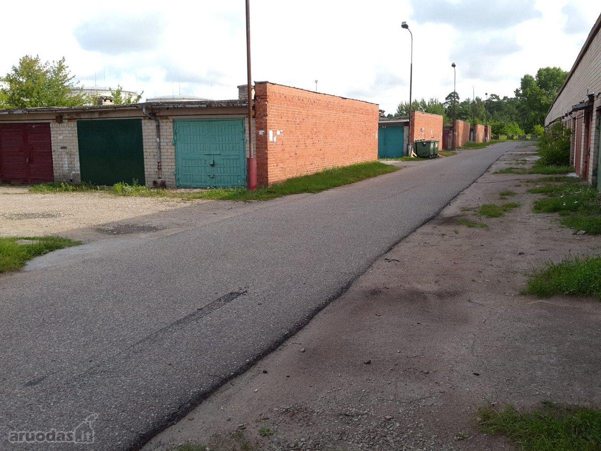 Klaipėda, Sportininkai, Švyturio g., mūrinis garažas