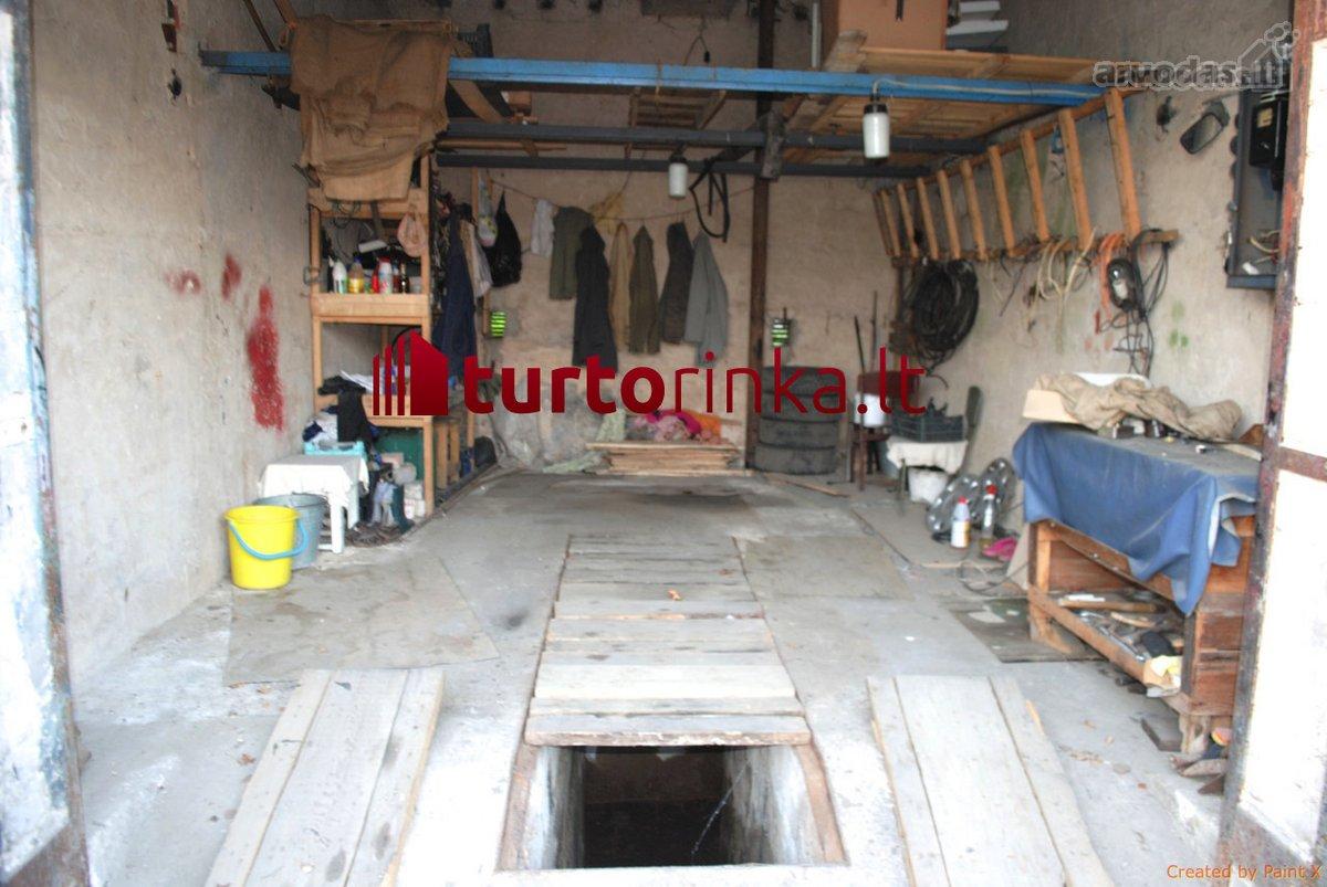 Kėdainių m., Liepų al., mūrinis garažas
