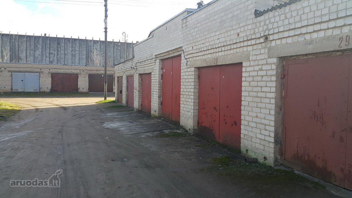 Mažeikių r. sav., Mažeikių m., Laisvės g., mūrinis garažo nuoma