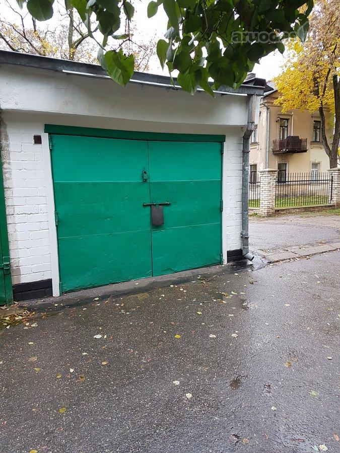 Vilnius, Senamiestis, Žygimantų g., mūrinis garažas