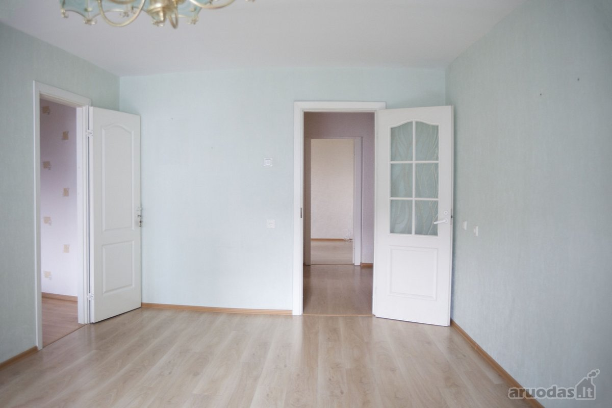 Vilnius, Fabijoniškės, P. Žadeikos g., 4 kambarių butas