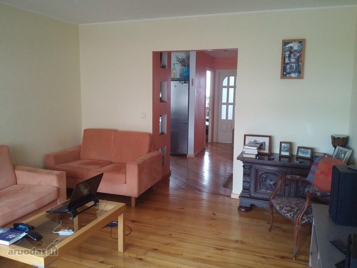 Šakių r. sav., Šakių m., Draugystės takas, 3 kambarių butas