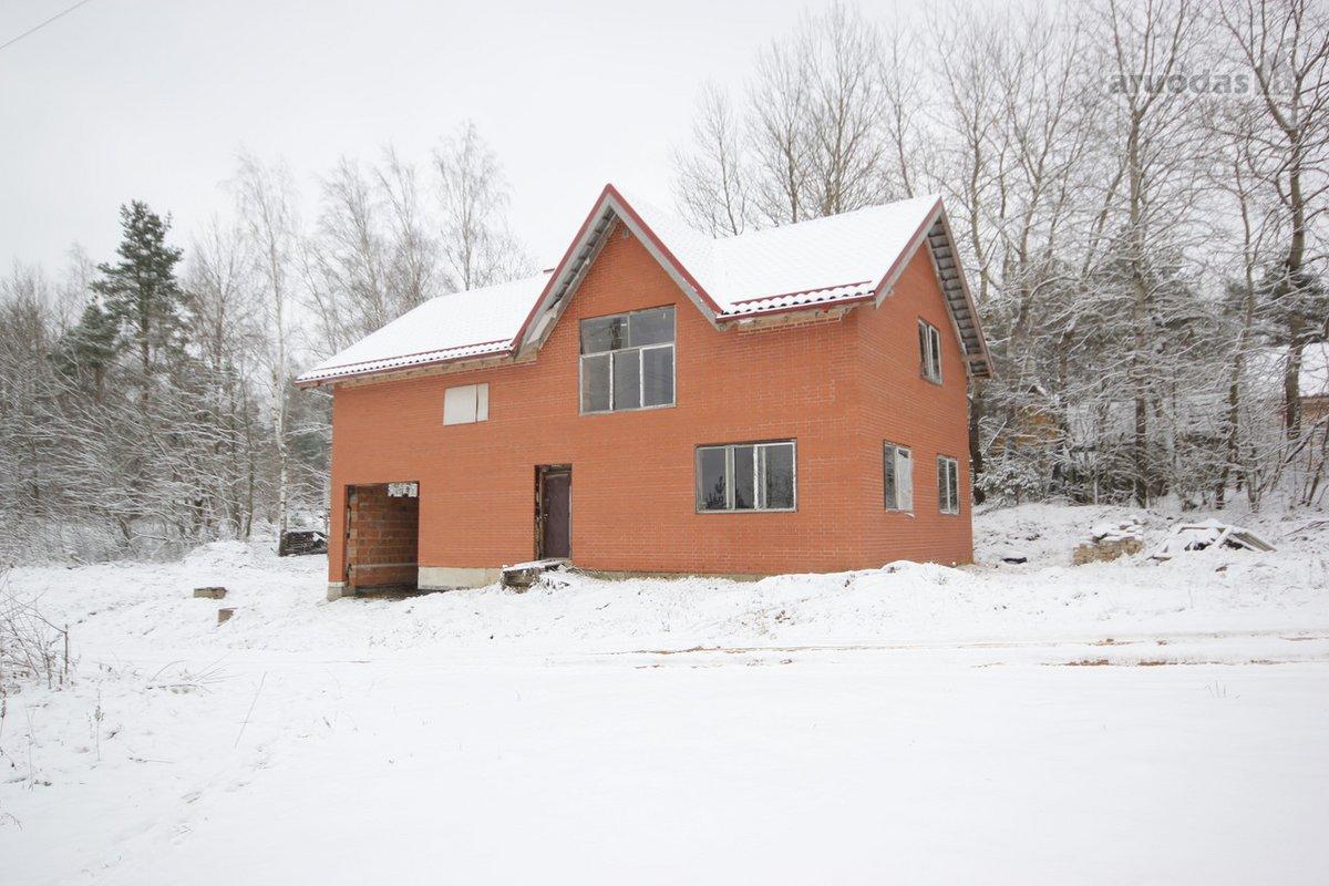 Vilniaus r. sav., Valčiūnų k., Centrinė g., mūrinis namas