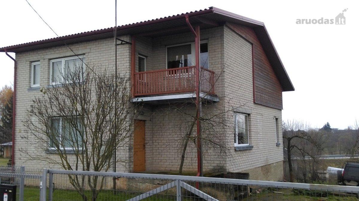 Jurbarko r. sav., Girdžių k., Mokyklos g., mūrinis namas