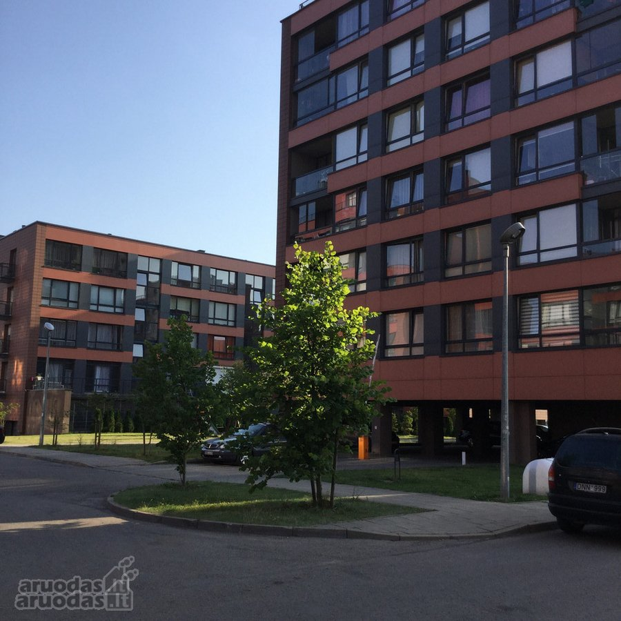Vilnius, Pilaitė, Įsruties g., 4 kambarių butas