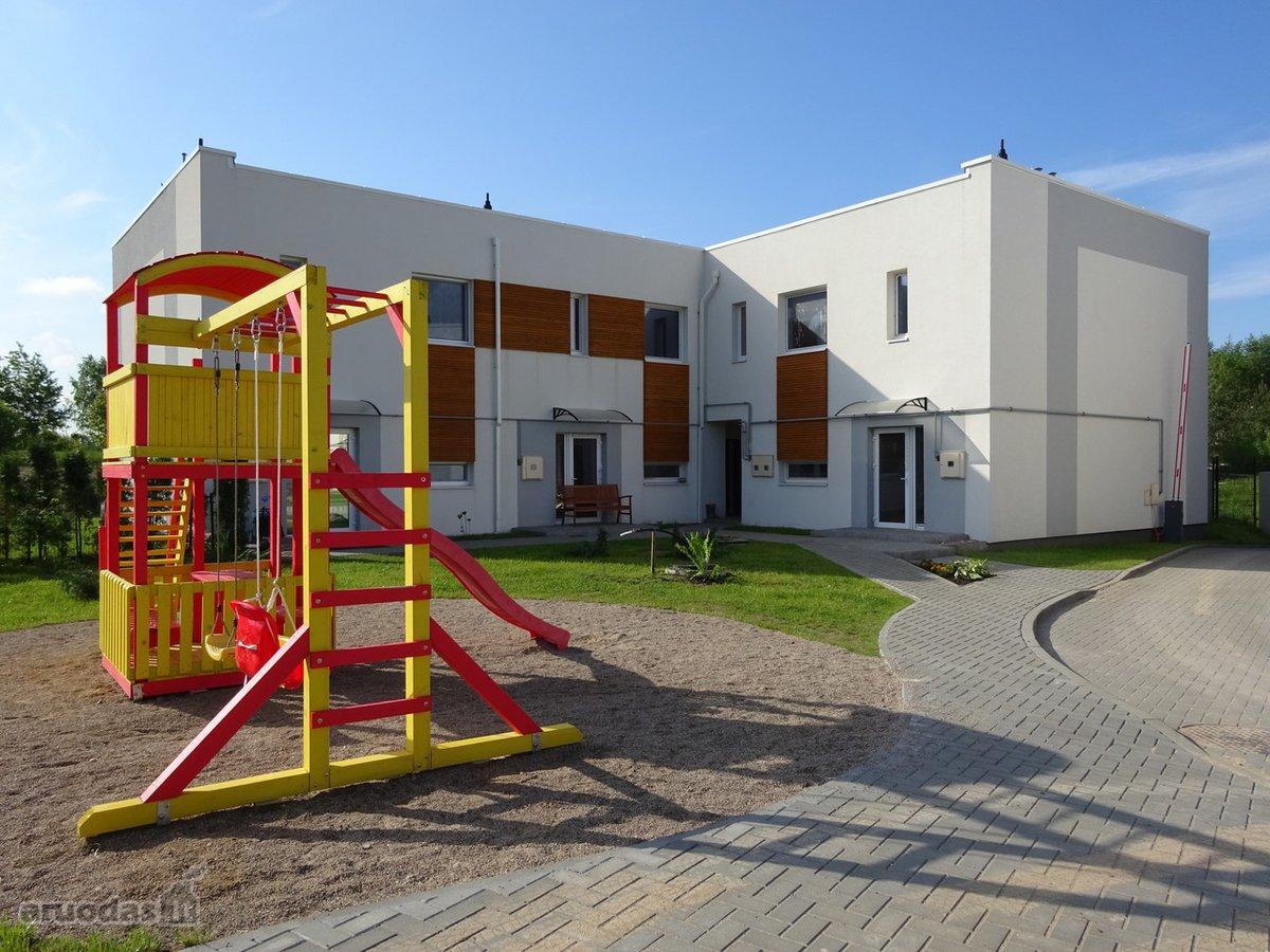 Vilnius, Pilaitė, J. Bobrovskio g., mūrinis sublokuotas namas