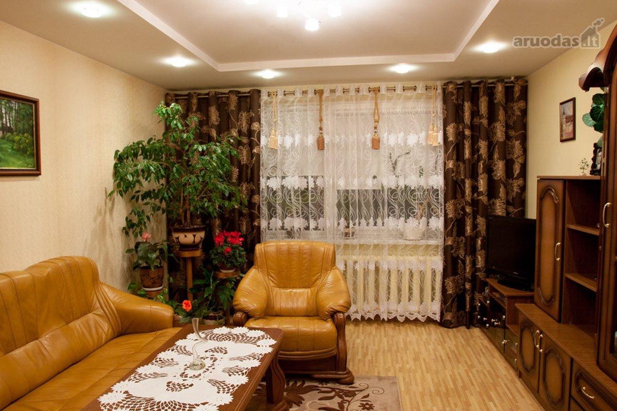 Molėtų m., Ąžuolų g., 2 kambarių butas