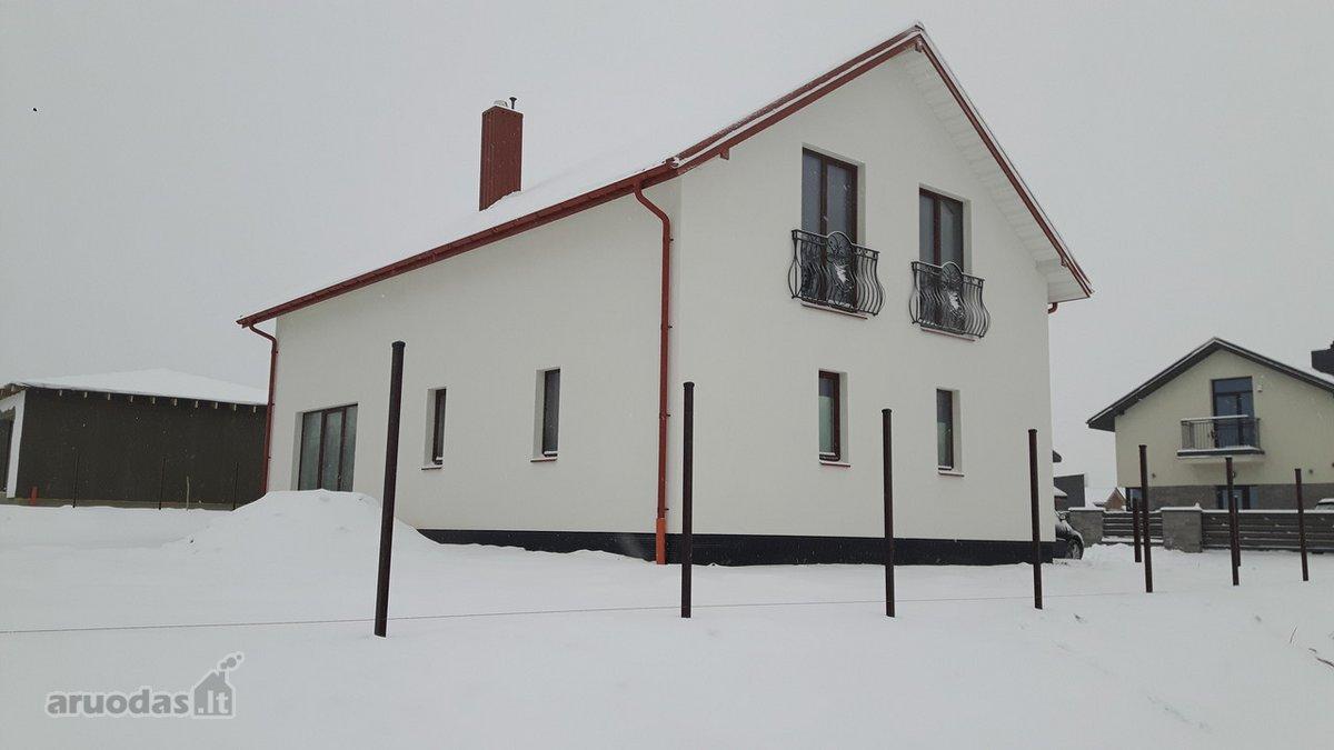 Vilnius, Pilaitė, Sembos g., mūrinis namas