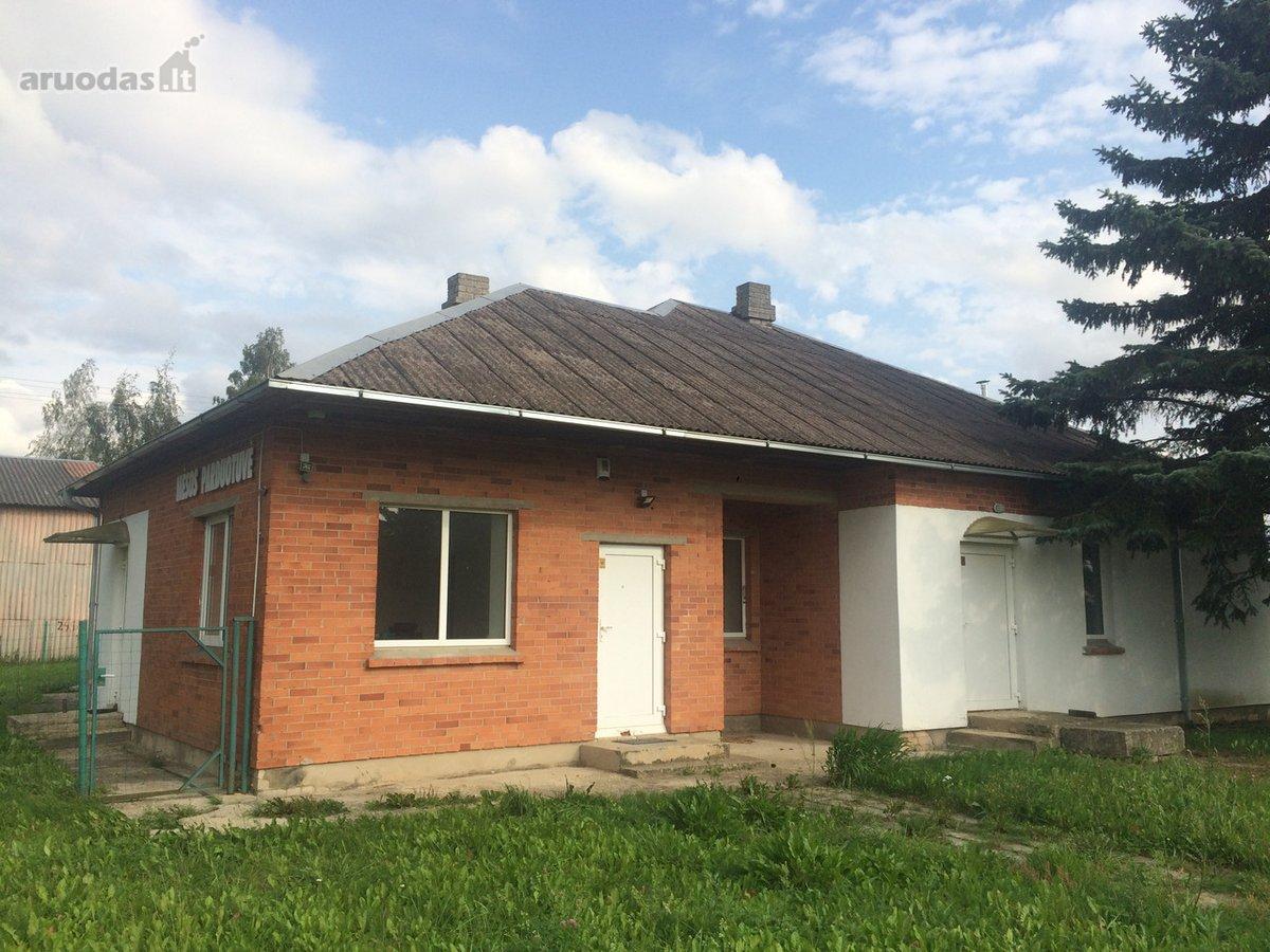 Pakruojo r. sav., Plaučiškių k., prekybinės, gamybinės paskirties patalpos