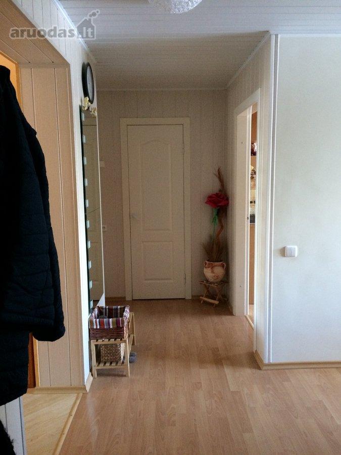 Panevėžio r. sav., Dembavos k., Veteranų g., 4 kambarių butas