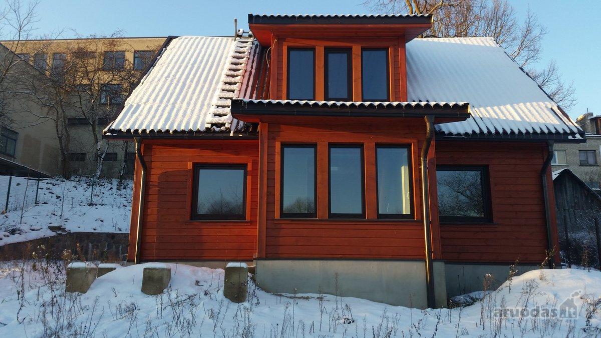 Molėtų m., Pastovio g., medinis namas