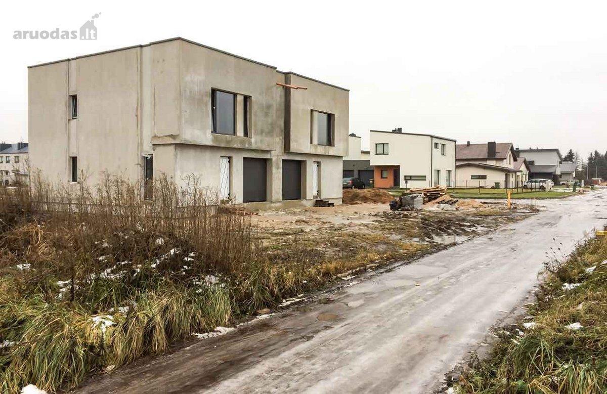 Kauno r. sav., Noreikiškių k., Kaštonų g., mūrinis namas