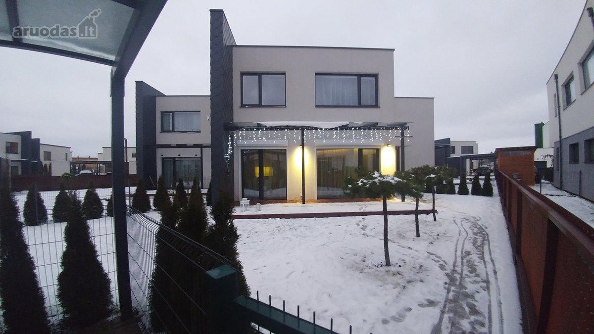 Kauno r. sav., Giraitės k., Aronijų g., mūrinis sublokuotas namas
