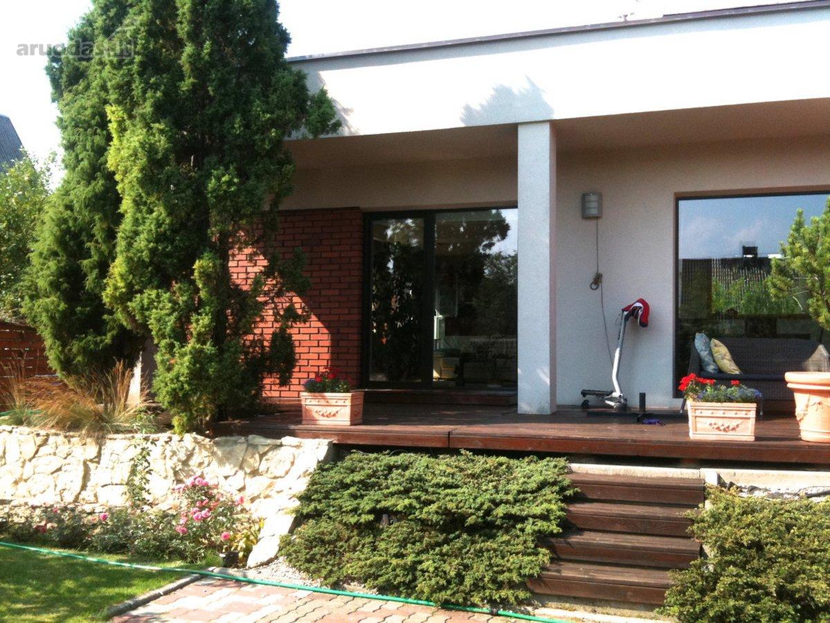 Kaunas, Freda, Vainikų g., mūrinis namas nuomai