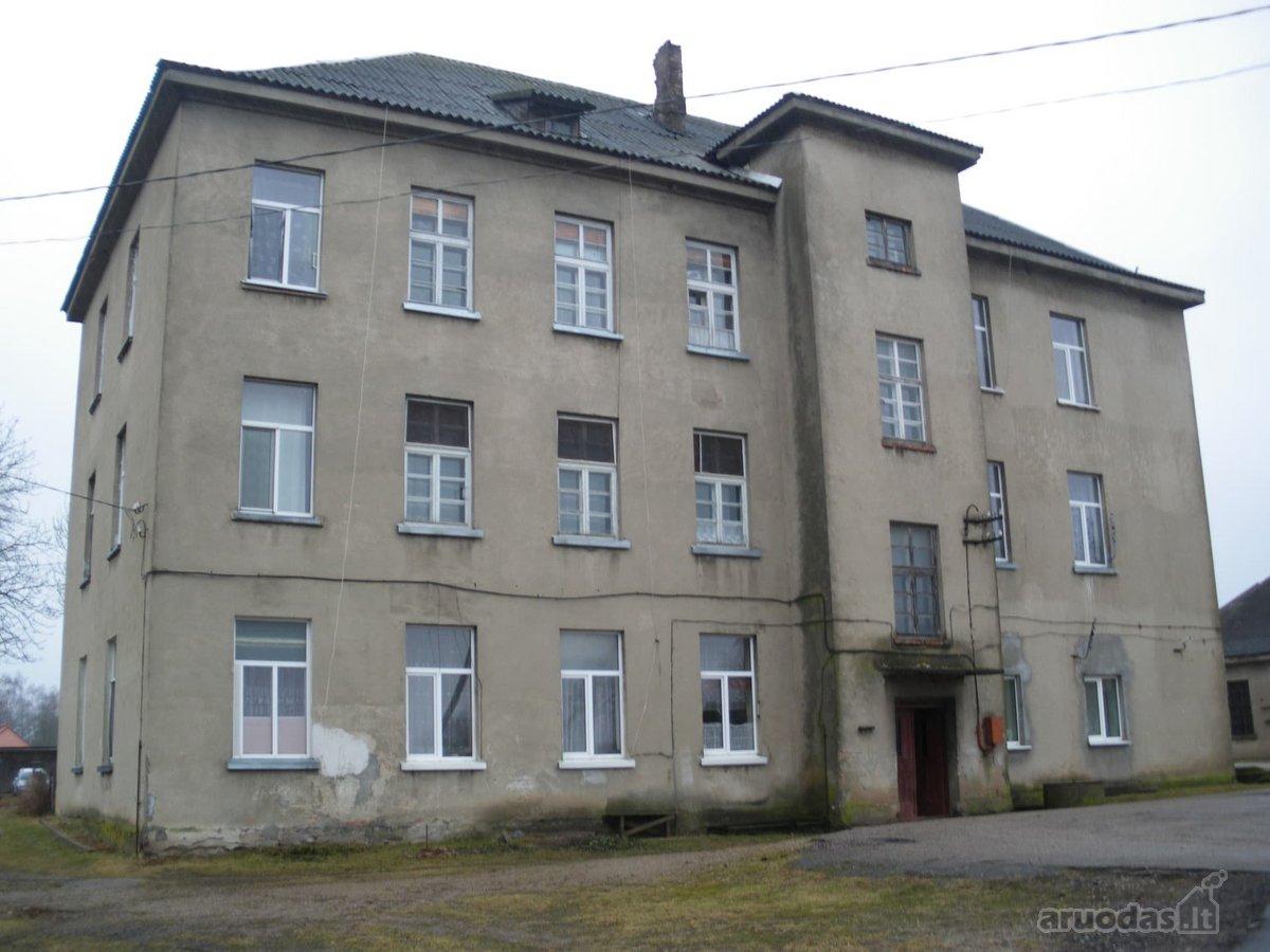 Jurbarko r. sav., Seredžiaus mstl., Mechanizatorių g., 2 kambarių butas