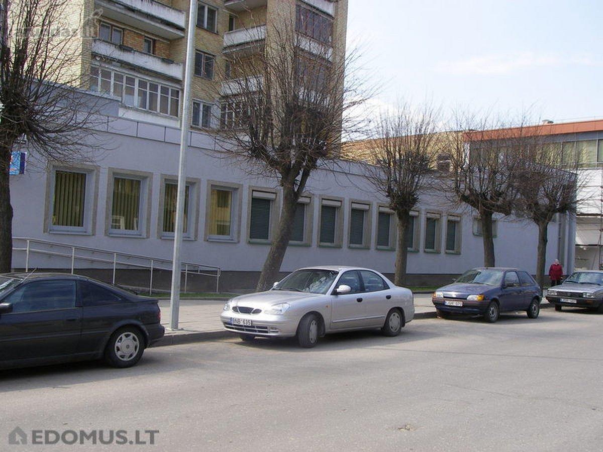 Radviliškio r. sav., Radviliškio m., Dariaus ir Girėno g., prekybinės paskirties patalpos