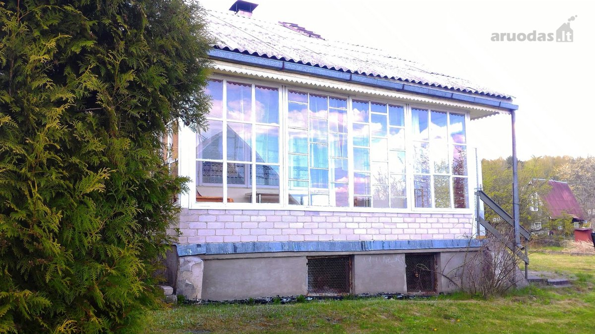 Vilniaus r. sav., Skirgiškių k., Paparčių g., mūrinis sodo namas