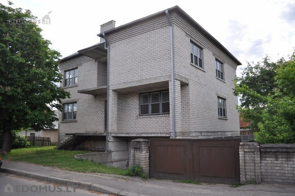 Kaunas, Vilijampolė, J. Naujalio g., mūrinis namas