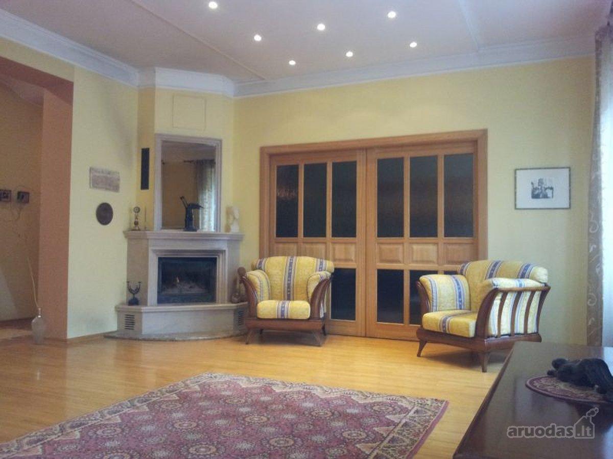 Kaunas, Centras, K. Donelaičio g., 4 kambarių butas