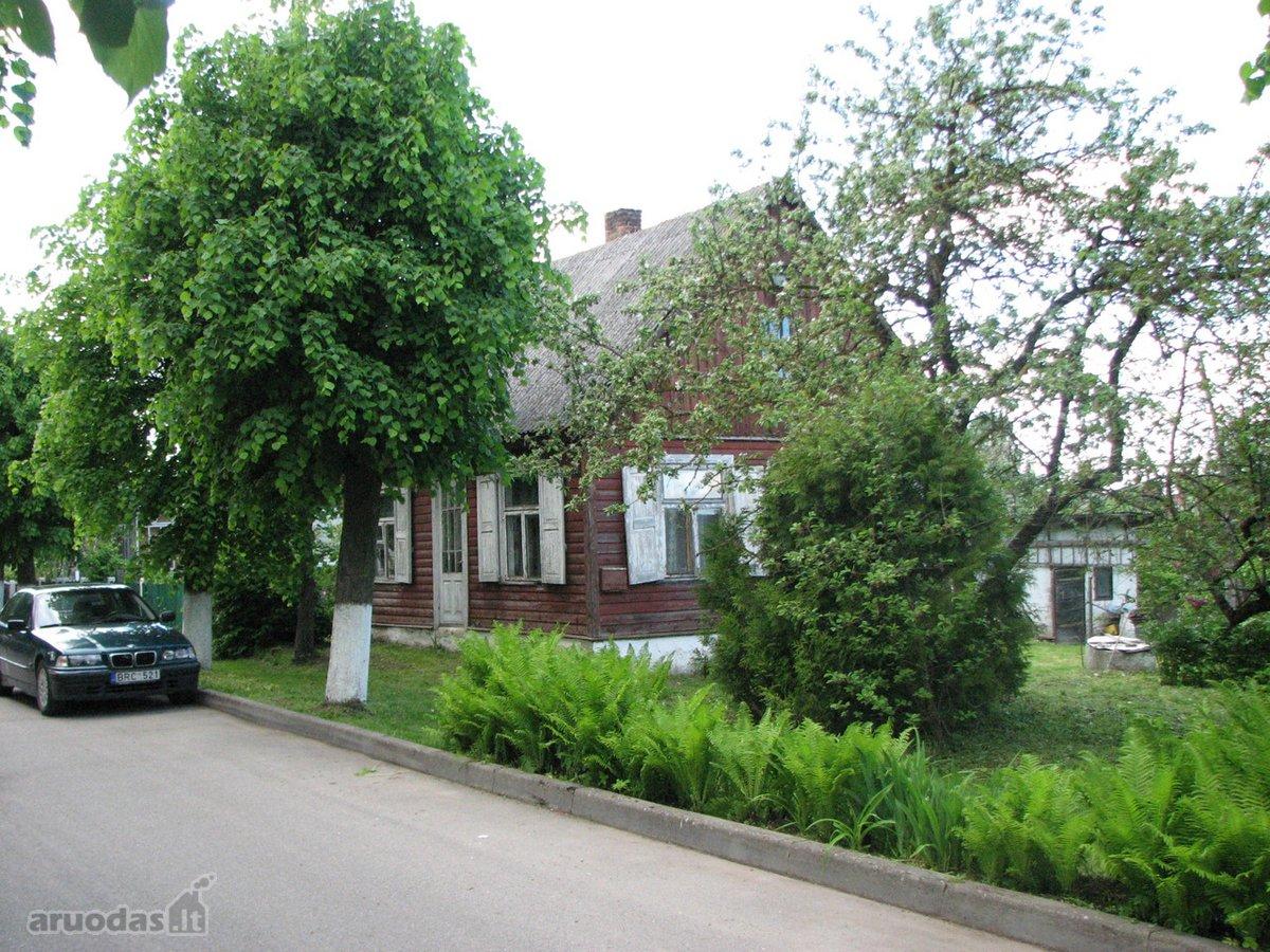 Skubiai parduodamas namas ypač geroje Šeduvos