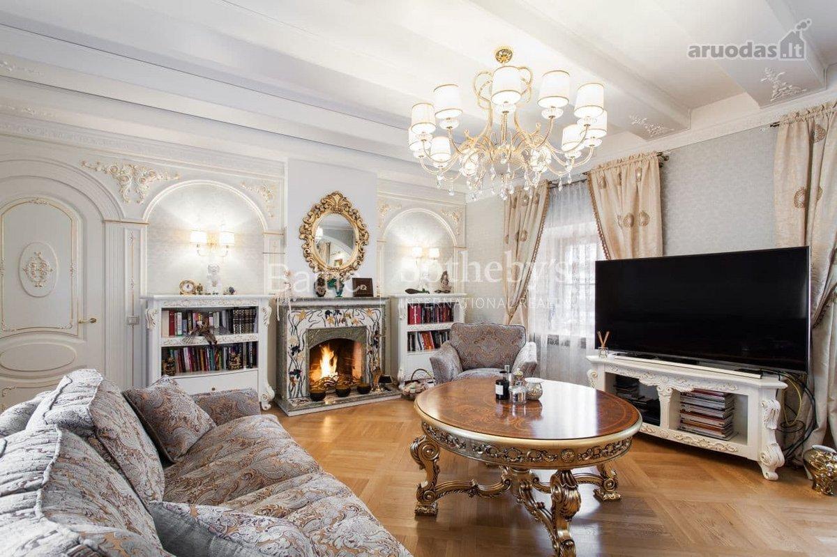 Vilnius, Senamiestis, Aušros Vartų g., 4 kambarių butas