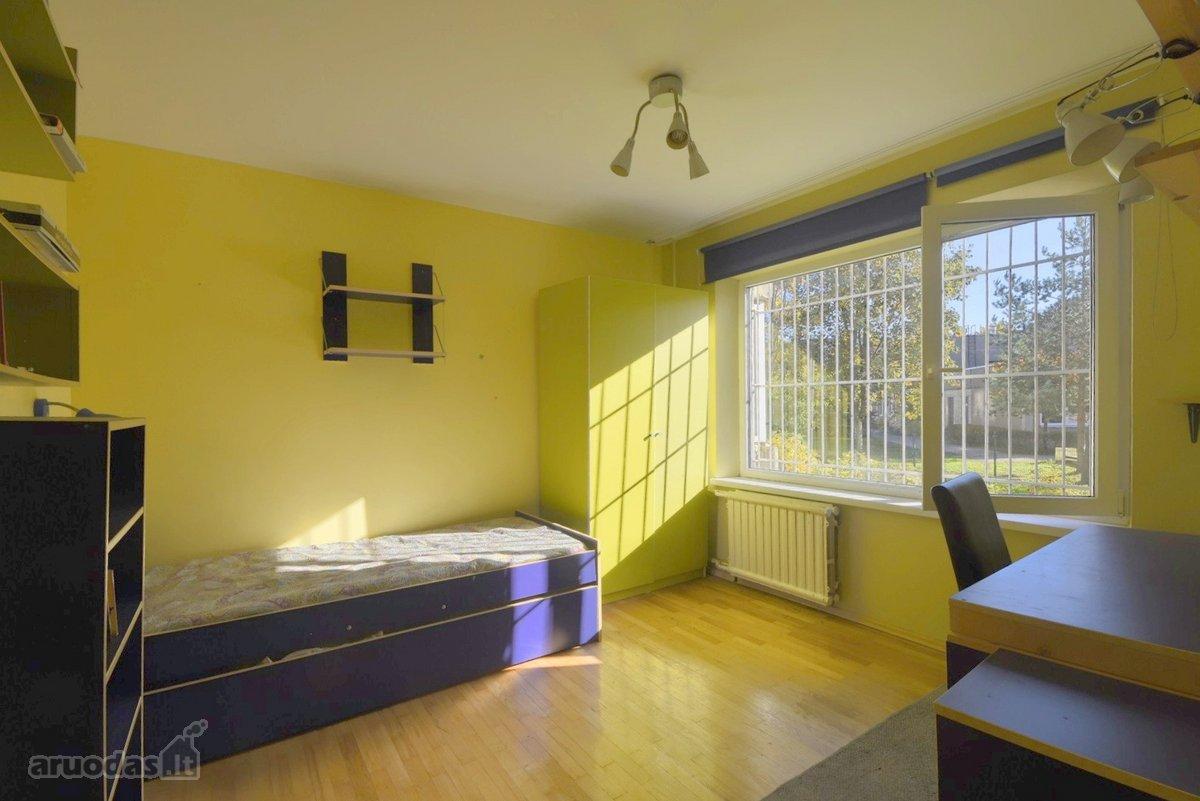 Kaunas, Šilainiai, Vėtrungės g., 2 kambarių butas