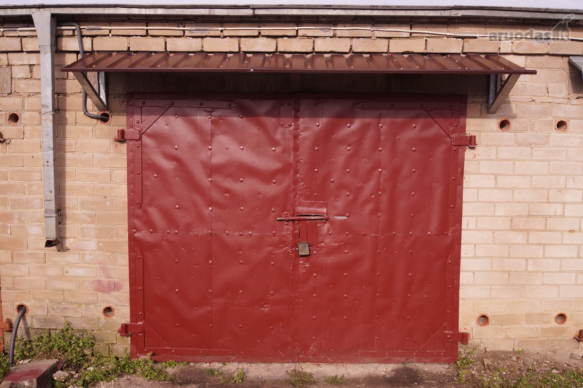 Ukmergės m., Dariaus ir Girėno g., mūrinis garažas
